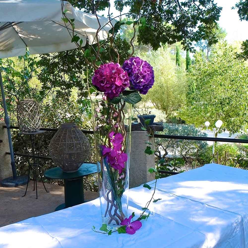 fleuriste pines de paradis decoration florale buffet. Black Bedroom Furniture Sets. Home Design Ideas
