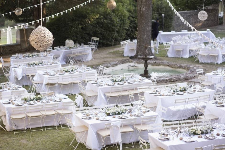 Mariage Dans Un Jardin Decoration #9: Decoration-florale-table-mariage-jardin-marseille-300x200