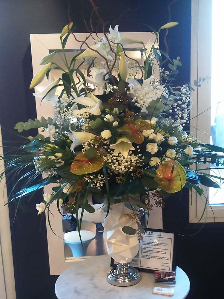 decoration florale mariage fleuriste pines de paradis. Black Bedroom Furniture Sets. Home Design Ideas