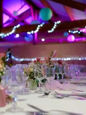 mariage decoration fleurs 6 281x375 - Un mariage dans le vaucluse