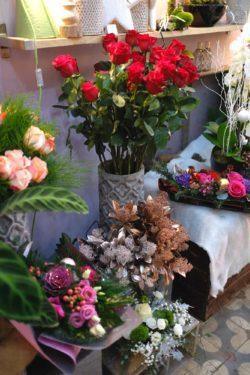 fleuriste marseille noel 13 250x375 - Un Noël chez votre fleuriste épines de paradis