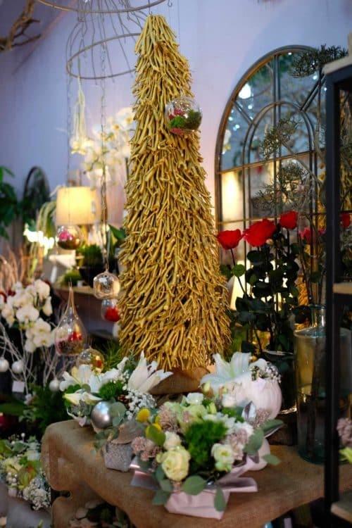 fleuriste marseille noel18 e1526295547929 - Un Noël chez votre fleuriste épines de paradis