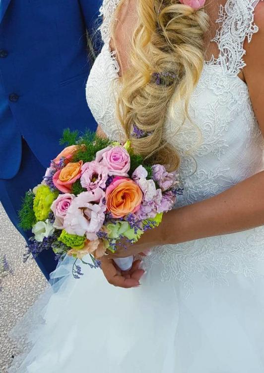 fleurs mariage marseille 7 532x750 - Quelques photos de mariages à Lourmarin et Gonfaron