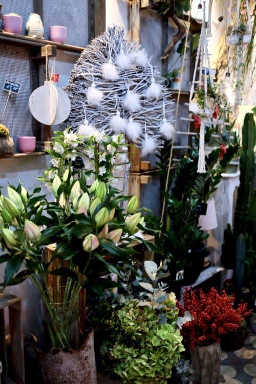 decoration fleuriste marseille 4 500x750 - Décoration intérieure de notre boutique