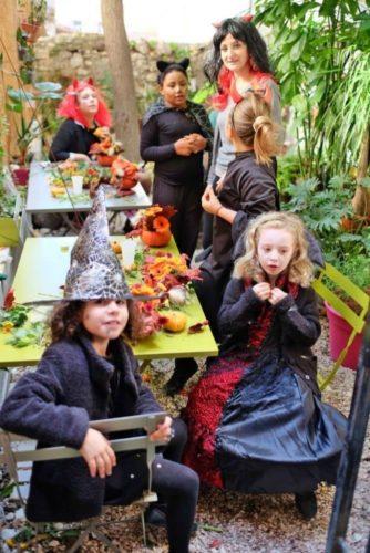 halloween marseille fleuriste decoration florale1 683x1024 e1526294520717