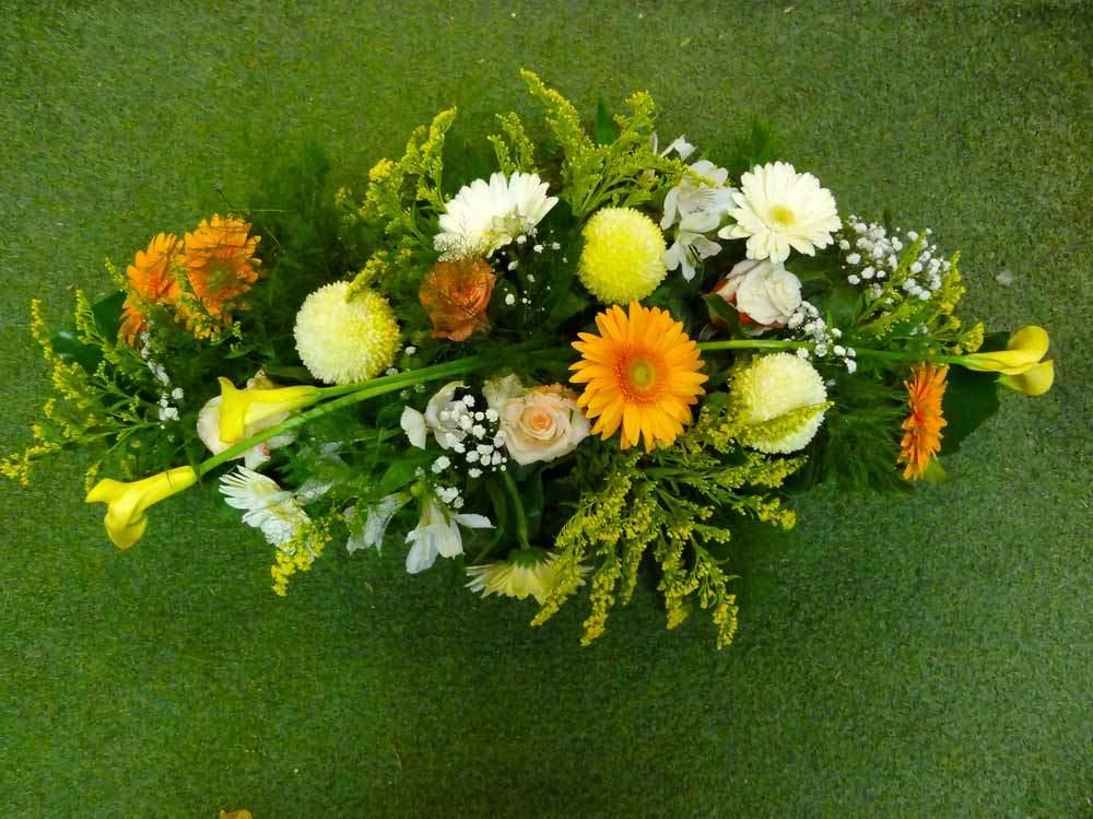 gerbe enterrement marseille fleuriste