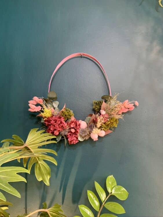 800C3234 A3CC 4D16 A427 D9BA04648313 1 105 c 563x750 - Couronnes de fleurs séchées