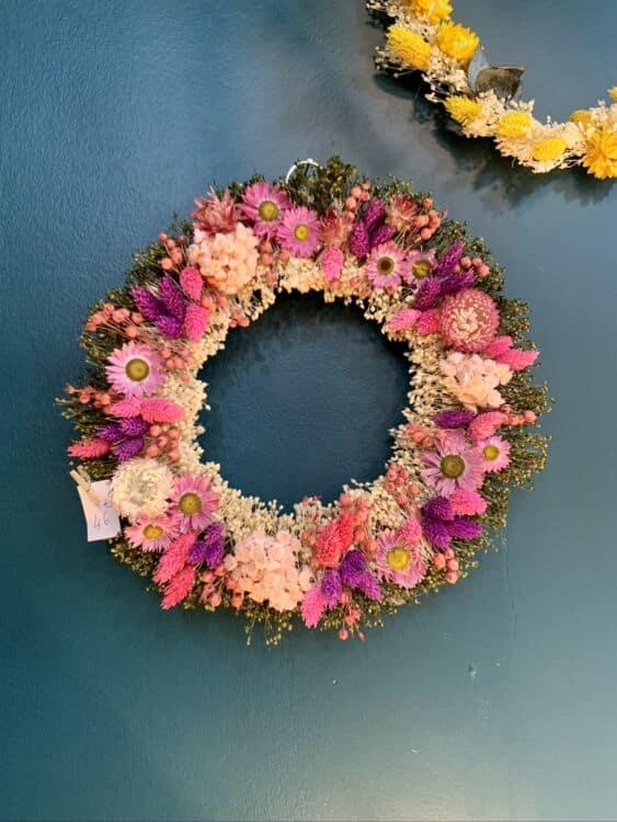 C0189F94 0EE3 423B B5AE E20B24AF9921 1 105 c 563x750 - Couronnes de fleurs séchées